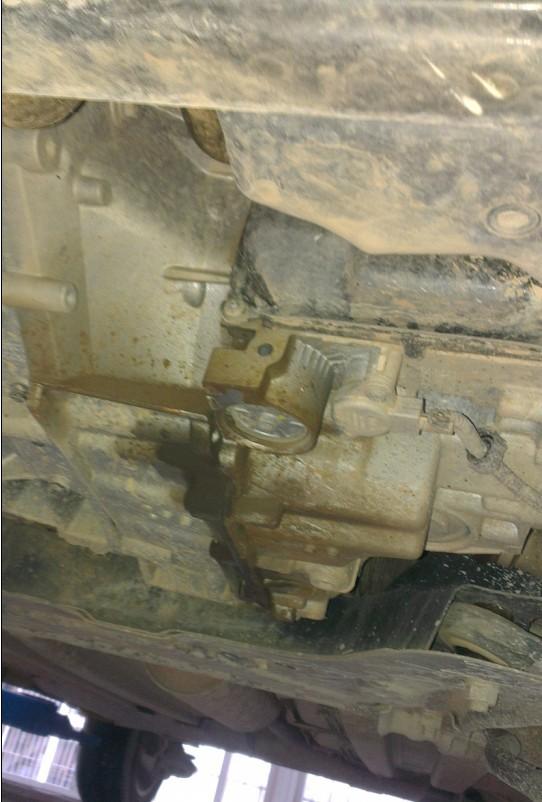 东风标致408变速箱漏油 空调制冷设计缺陷_3