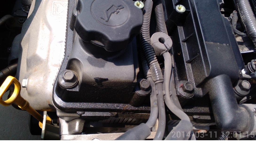 上海通用汽车发动机气门室盖漏油