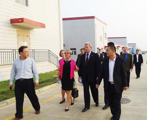 美国驻华大使参观南宁双汇