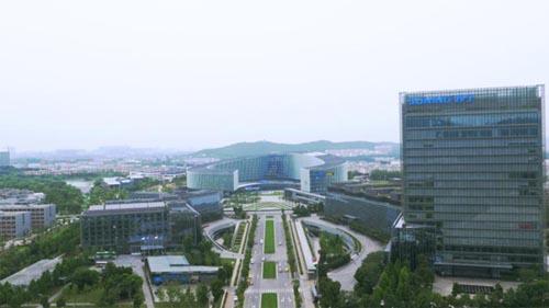 张近东:苏阿是盟友 要将零售CPU向全行业开放