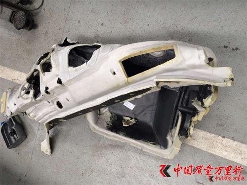 斯柯达汽车异味严重 被指来自劣质中控棉