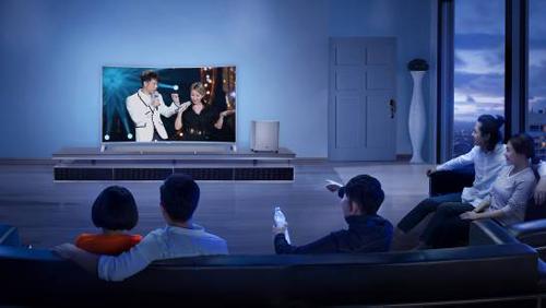 乐视联合TCL推出全球首个互联网HDR曲面4K生态电视