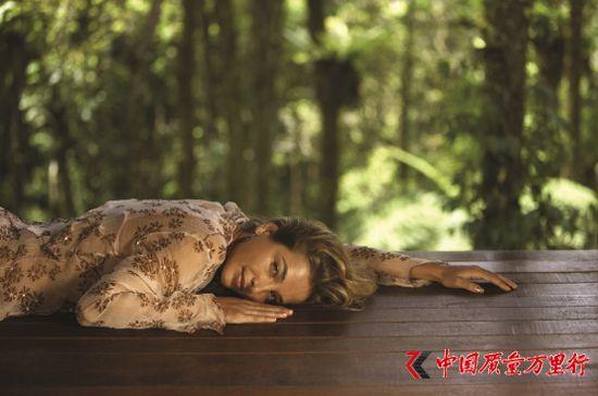 圣象讲堂:木地板会呼吸 舒适体感 静享关怀!