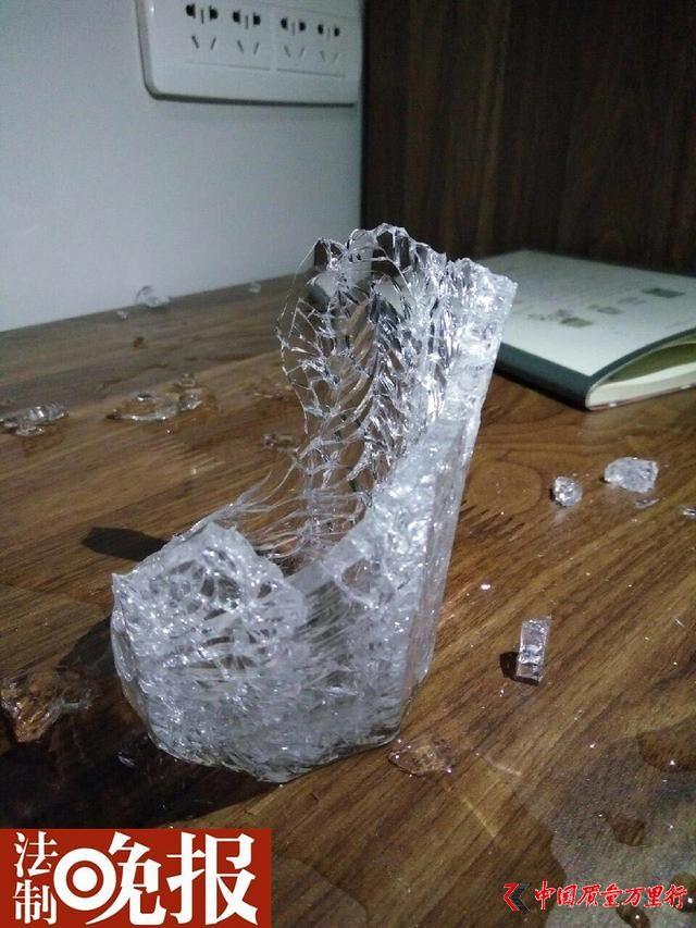 宜家玻璃杯半夜突然爆裂只剩杯底 并非个别现象