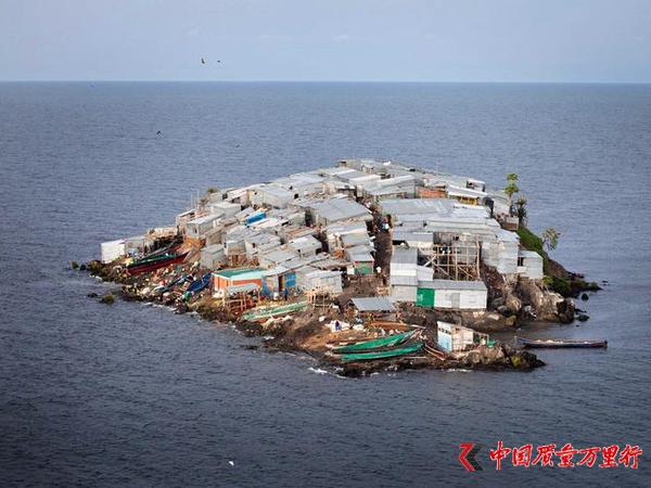 世界上最拥挤的海岛 人均居住面积不足2平米