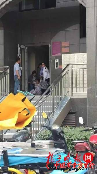 男子家中安装空调 空调突然爆炸致其身亡(组图)