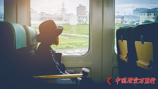 中国游客境外消费趋于冷静 人均花费二线城市超一线