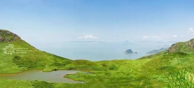 福建嵛山岛上还有湖泊 可以面朝大海后靠草原的地方