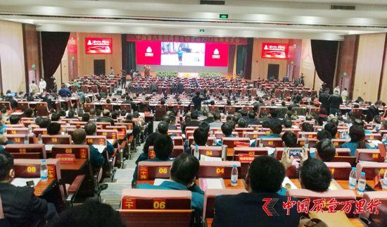 中国重汽:打造民族高端重卡第一品牌