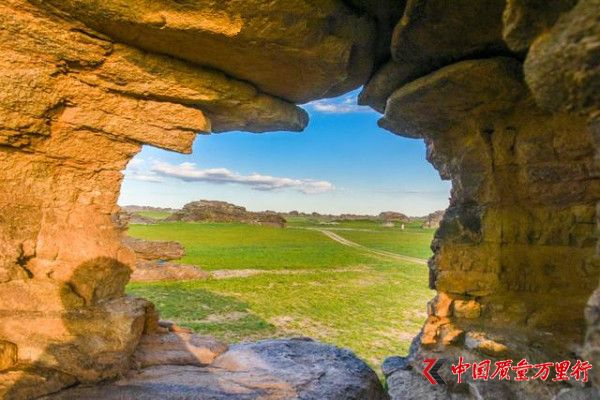 中国与蒙古边境发现罕见的草原石林,不要门票却风光无敌
