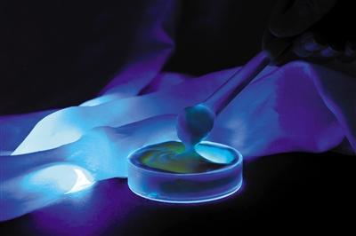 面膜新行标严控荧光增白剂 购买时需两看两不要
