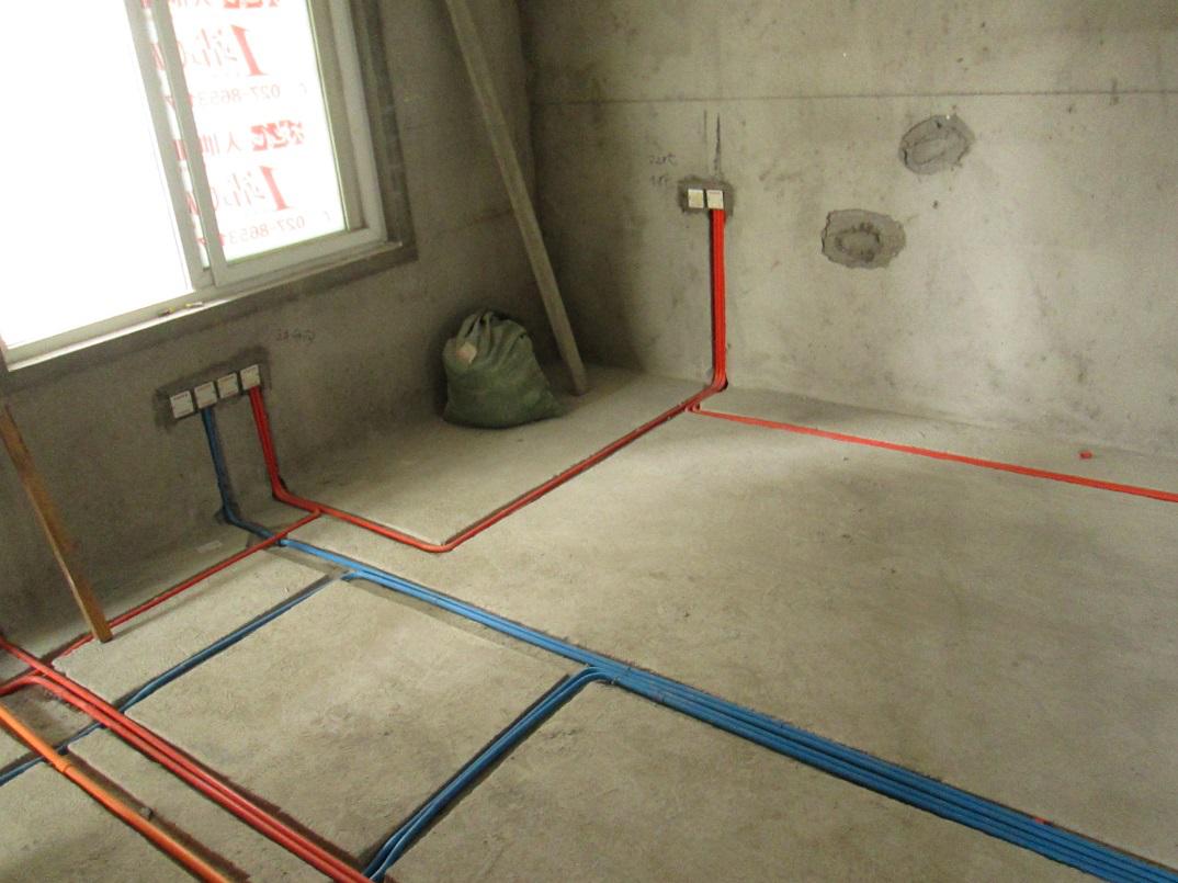 在家庭装修中,水路施工是一项很重要的环节.