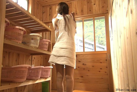 日本美女主播全裸出镜