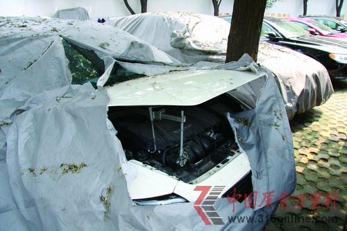 沃尔沃s40车型09年款千斤顶拆装步骤图解