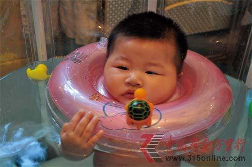 """""""发育""""不良的婴儿游泳市场亟待监管"""