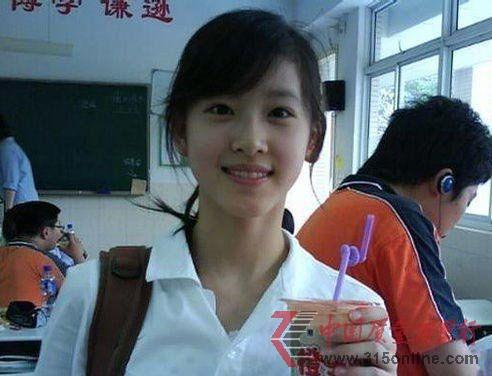 """武汉高校的""""豆浆西施""""不输清华的""""奶茶妹妹"""""""