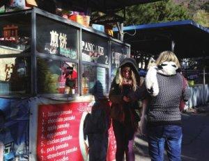 长城景区煎饼售价中外有别:国人15元 老外65元